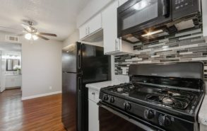 1000-mary-drive-apt-1Bed 1Bth Kitchen